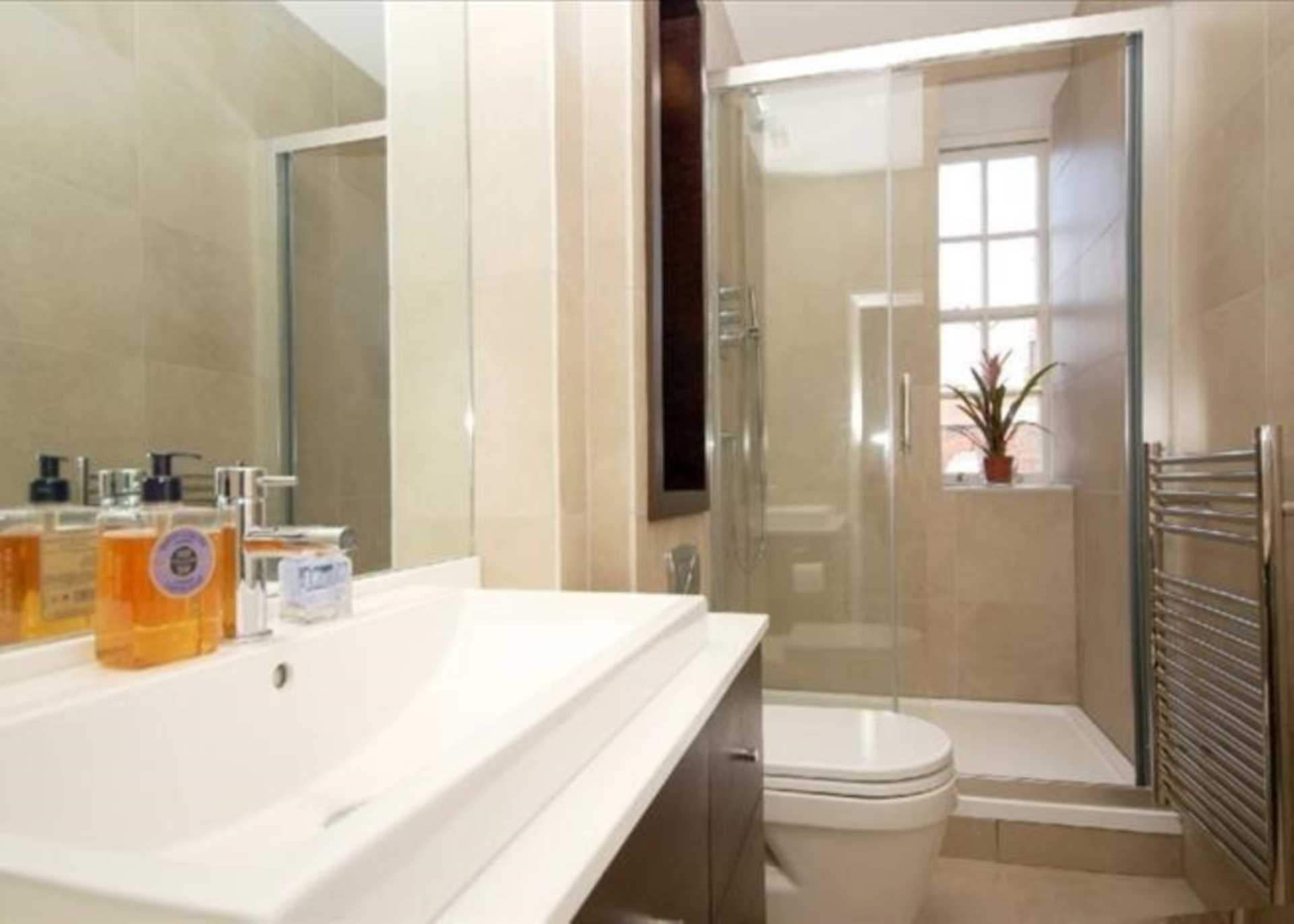 Flats And Apartments To Rent In London L2L128-1471