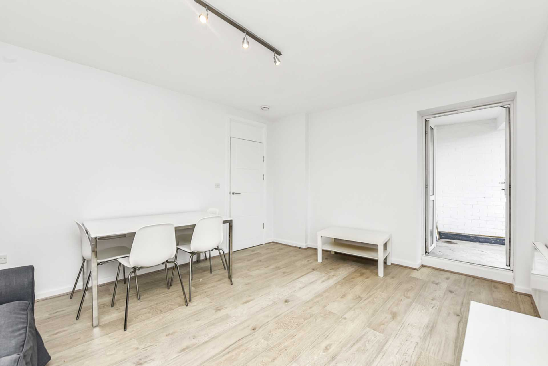 Student To Rent In Barons Court L2L128-1483