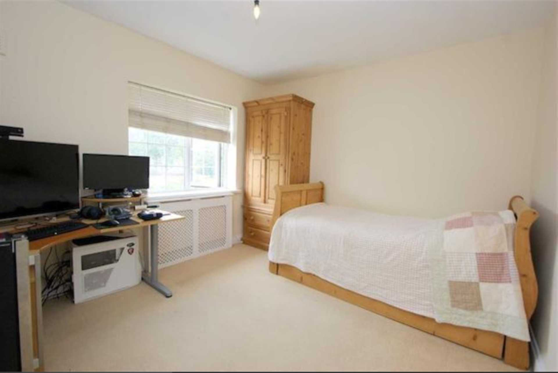 Property To Rent In London L2L128-1528