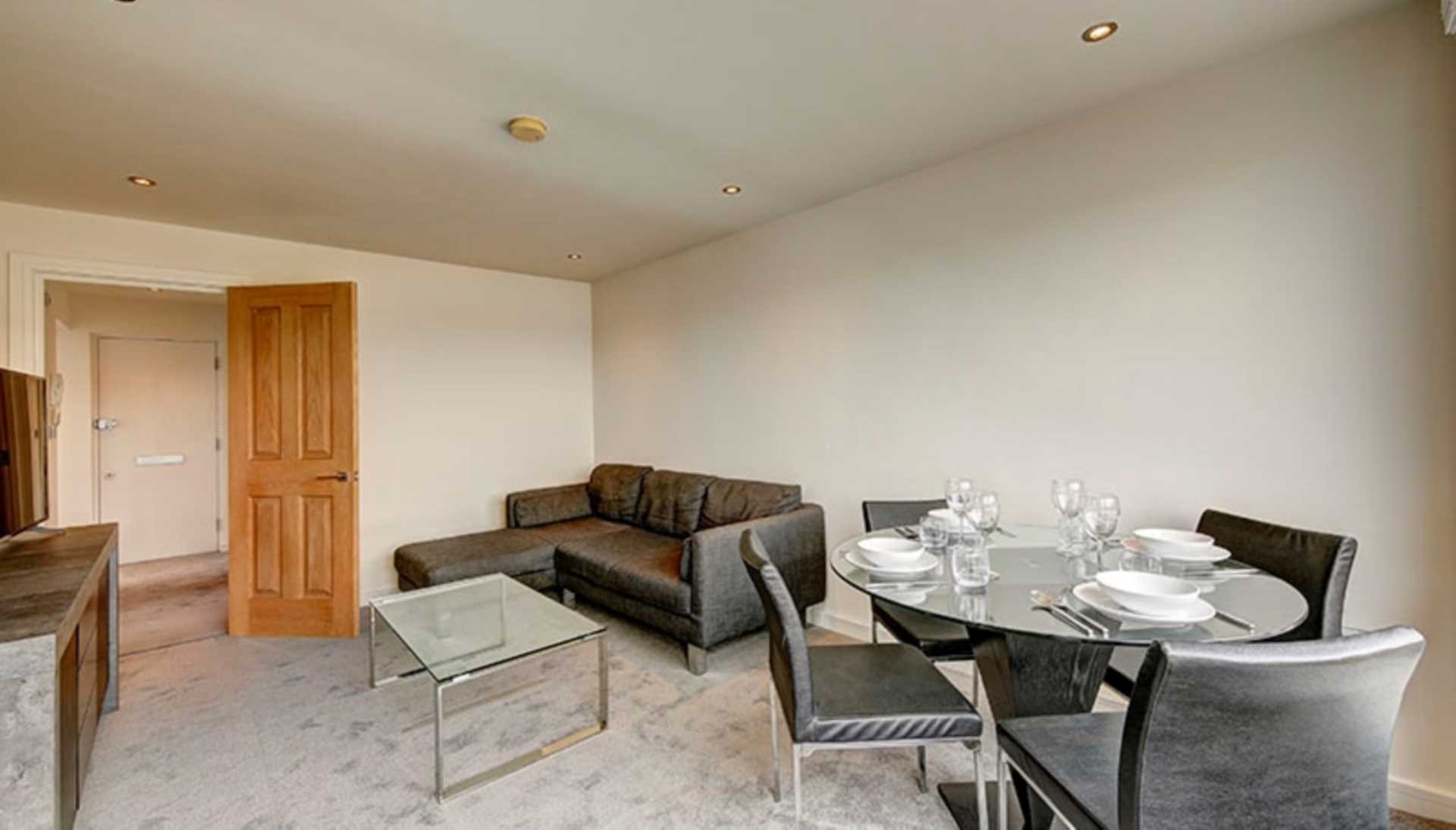 Property To Rent In London L2L128-1592
