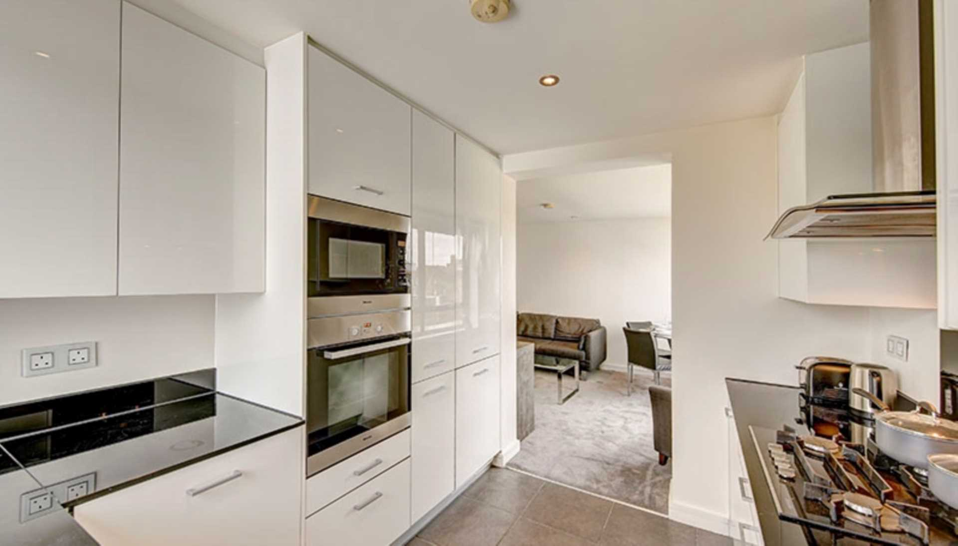 Flats And Apartments To Rent In London L2L128-1592