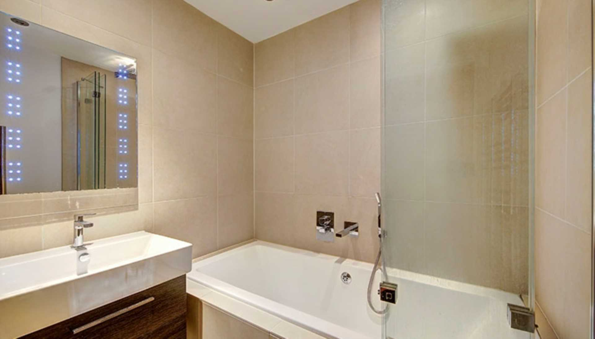 London Rental Property L2L128-1592