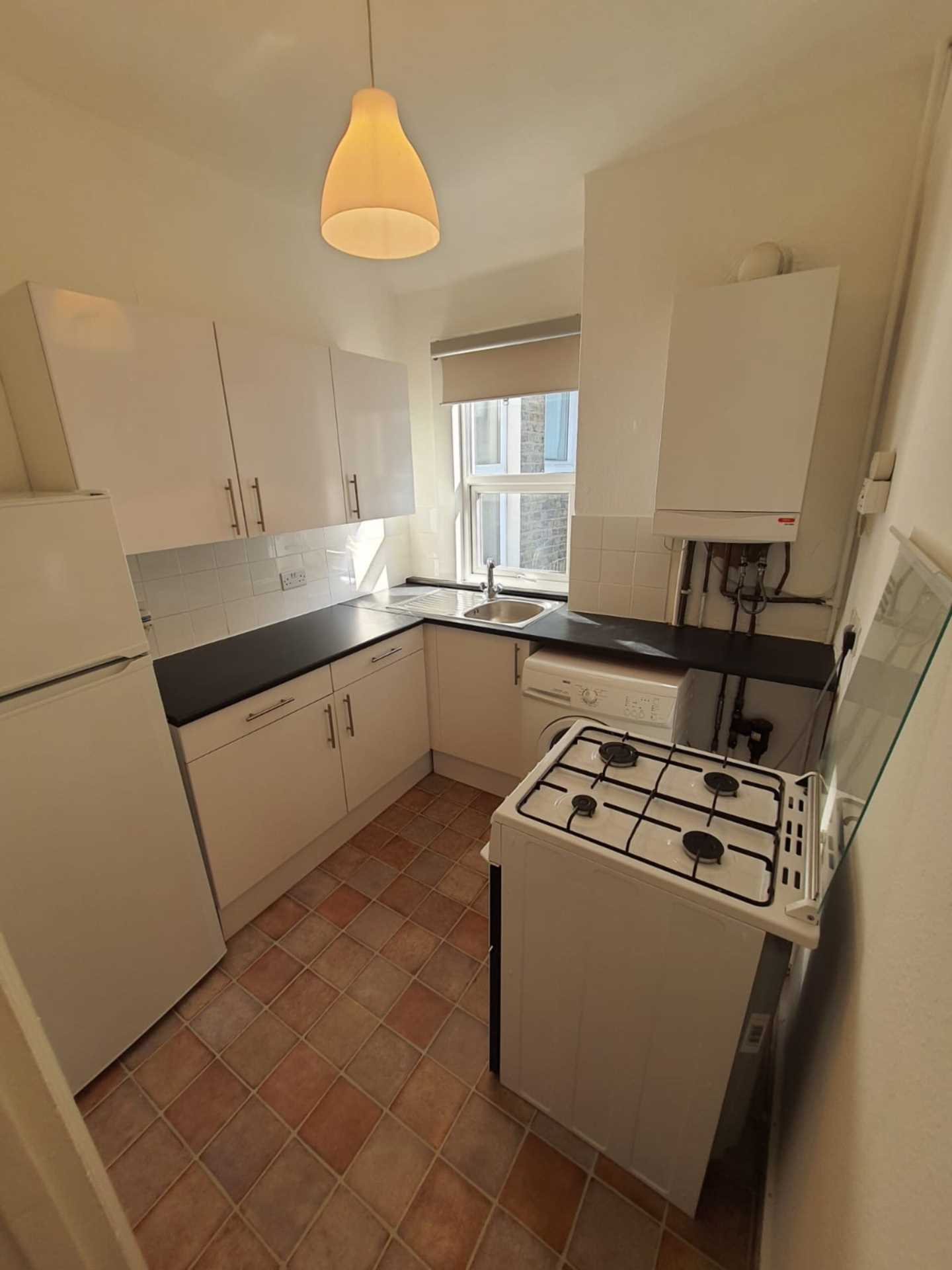 Flats And Apartments To Rent In Earlsfield L2L129-908
