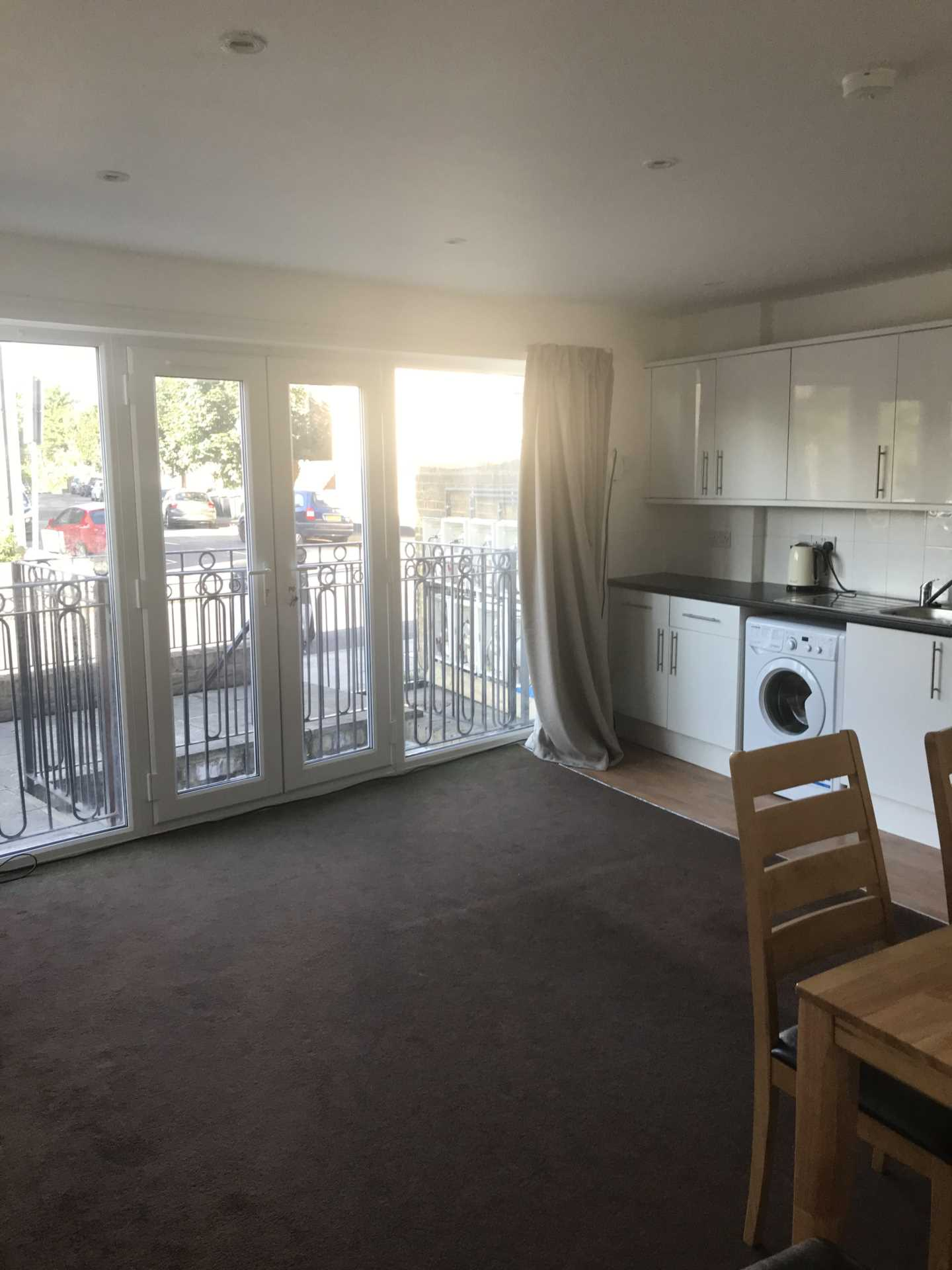 Student To Rent In London L2L130-170