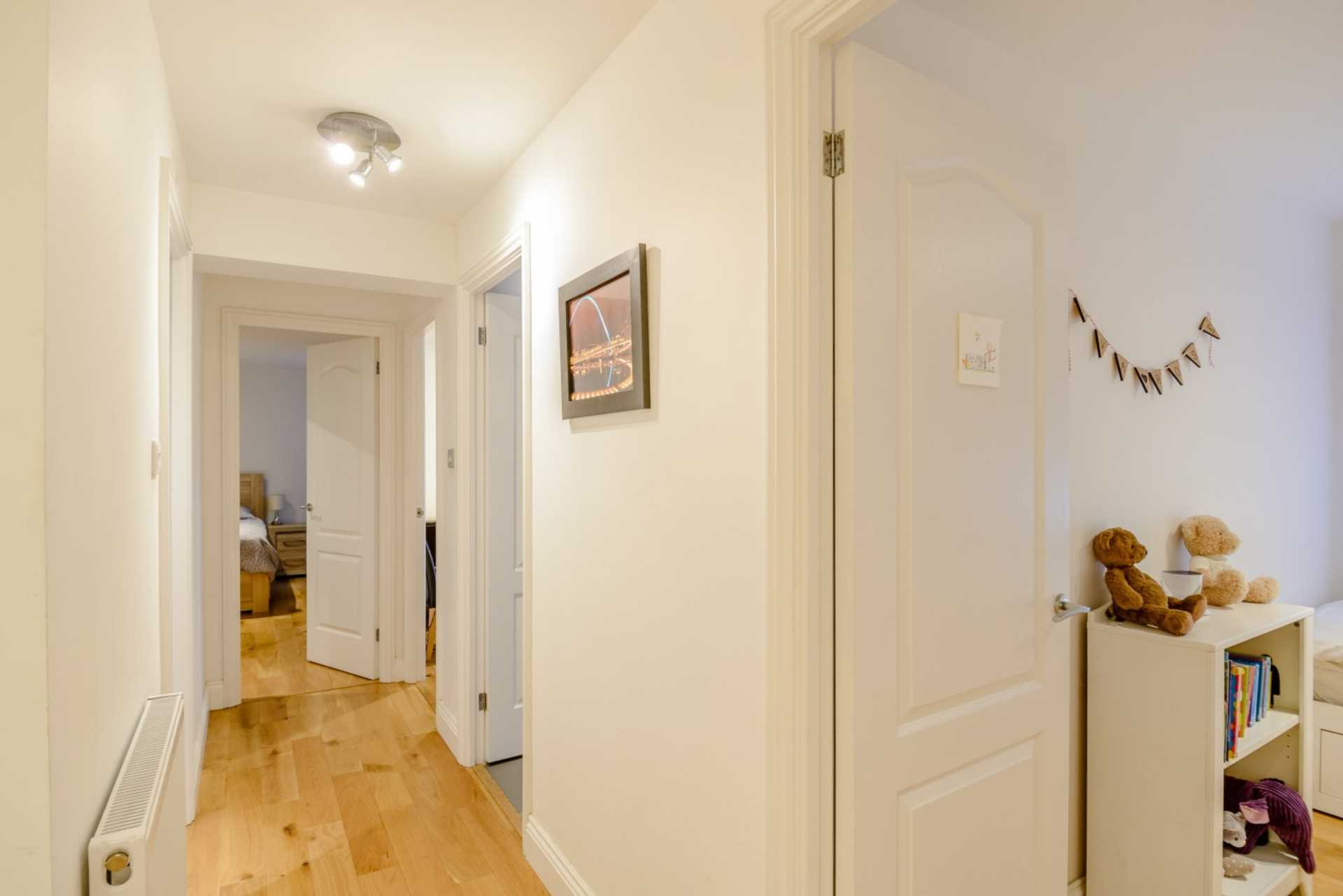 Flats And Apartments To Rent In London L2L131-364