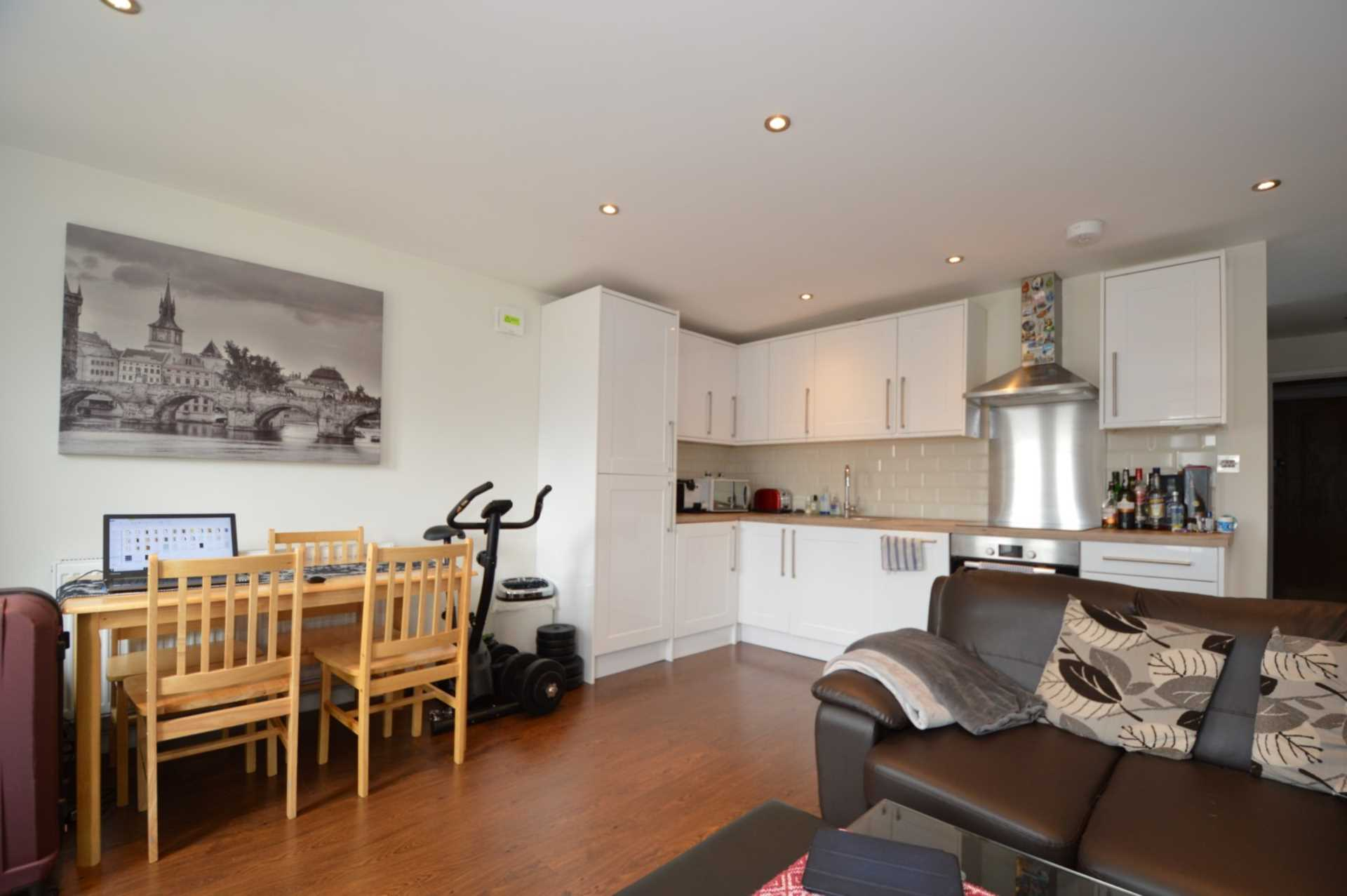 Property To Rent In London L2L131-406