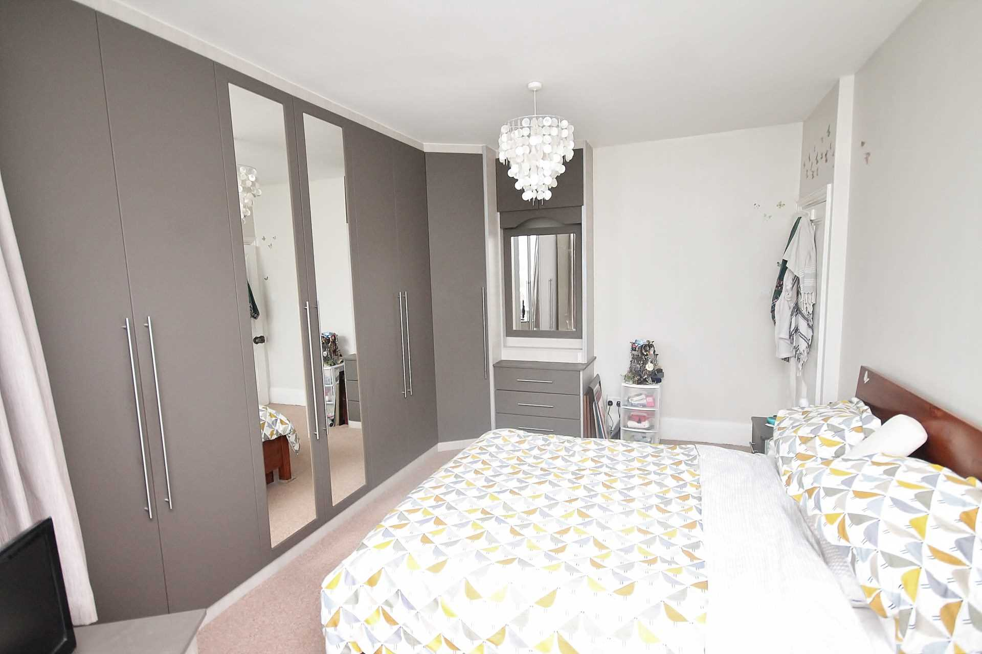 Rent In Malden Green L2L134-609