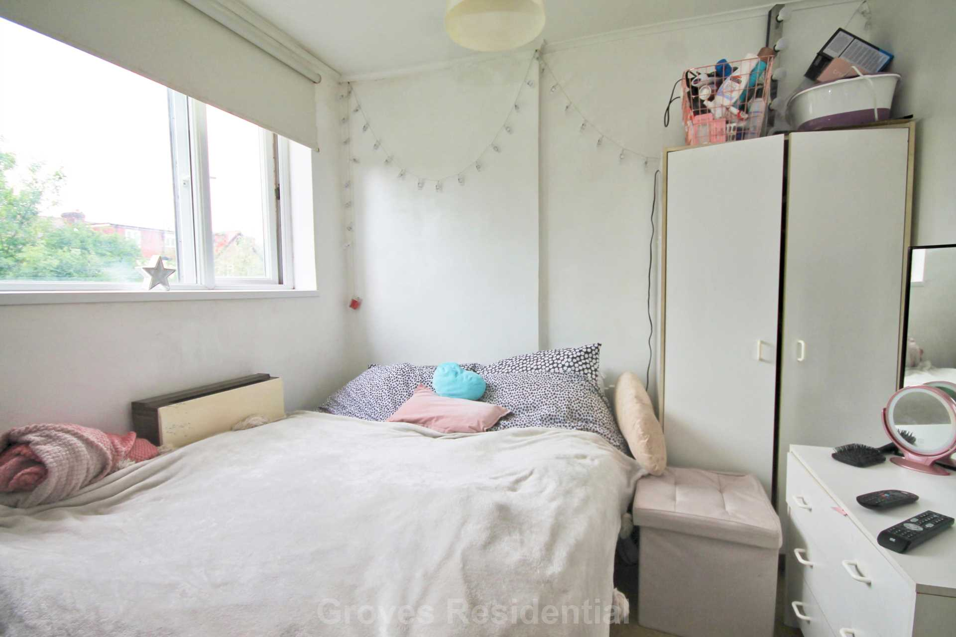Rent In New Malden L2L134-698
