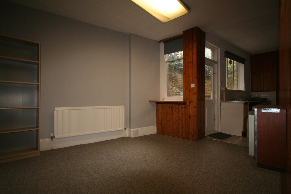 London Rental Property L2L13584-129