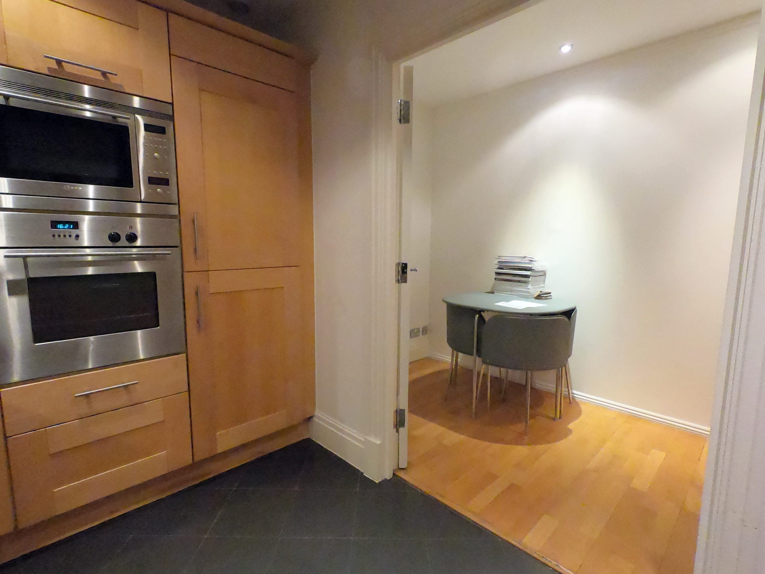 Earls Court Rental Property L2L13669-5745