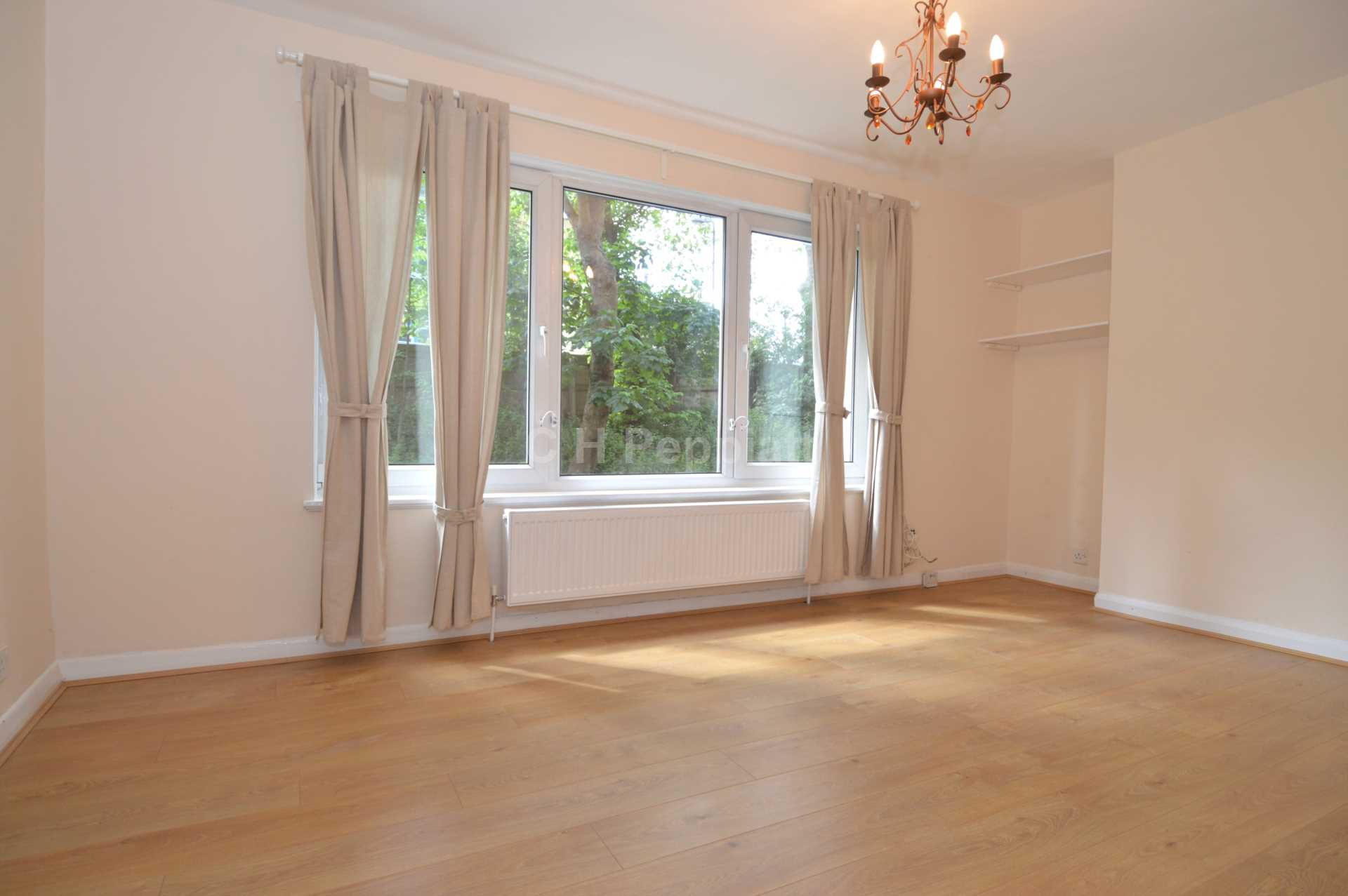 Student To Rent In London L2L1393-1402