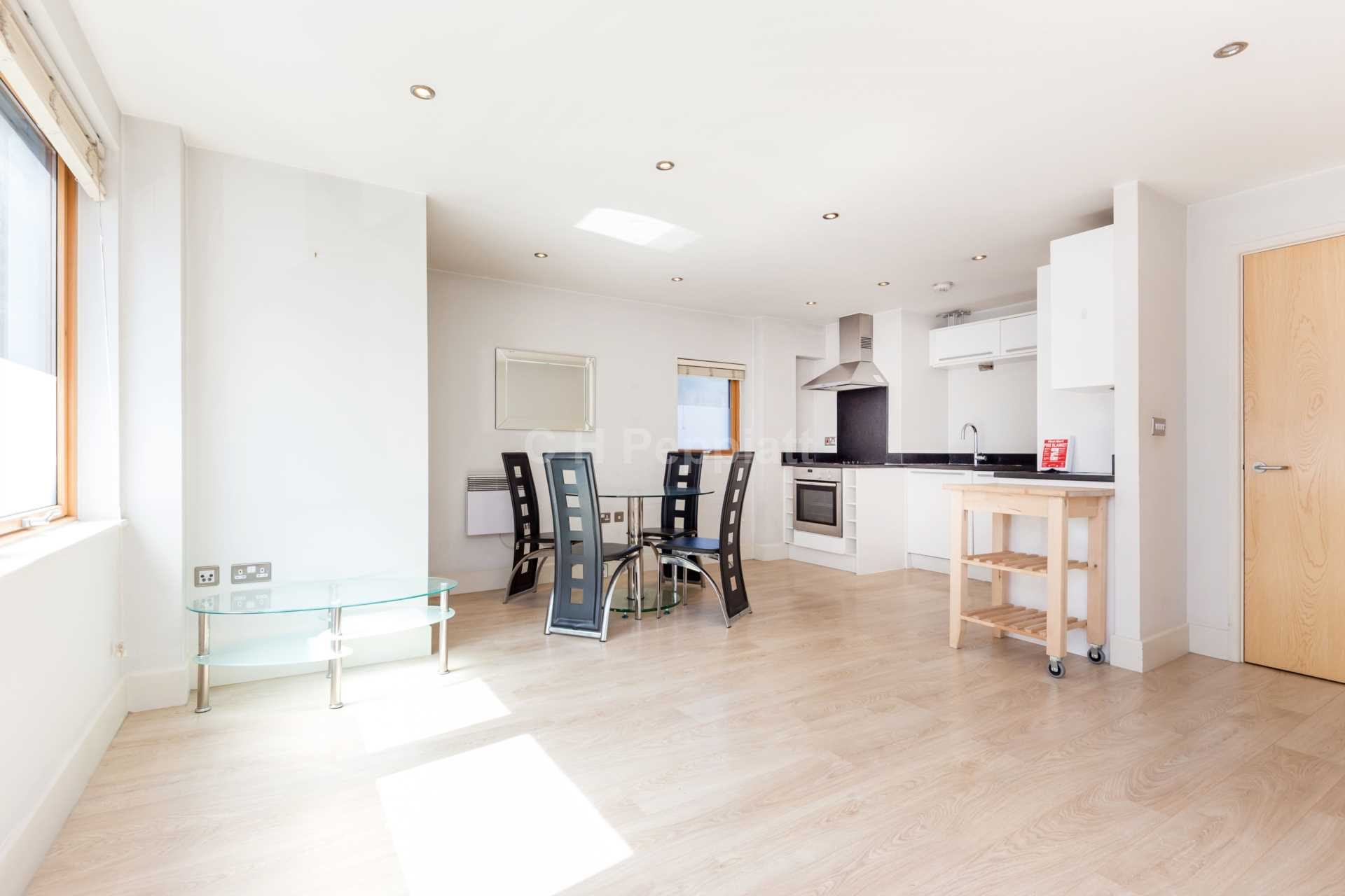 Property To Rent In London L2L1393-1219