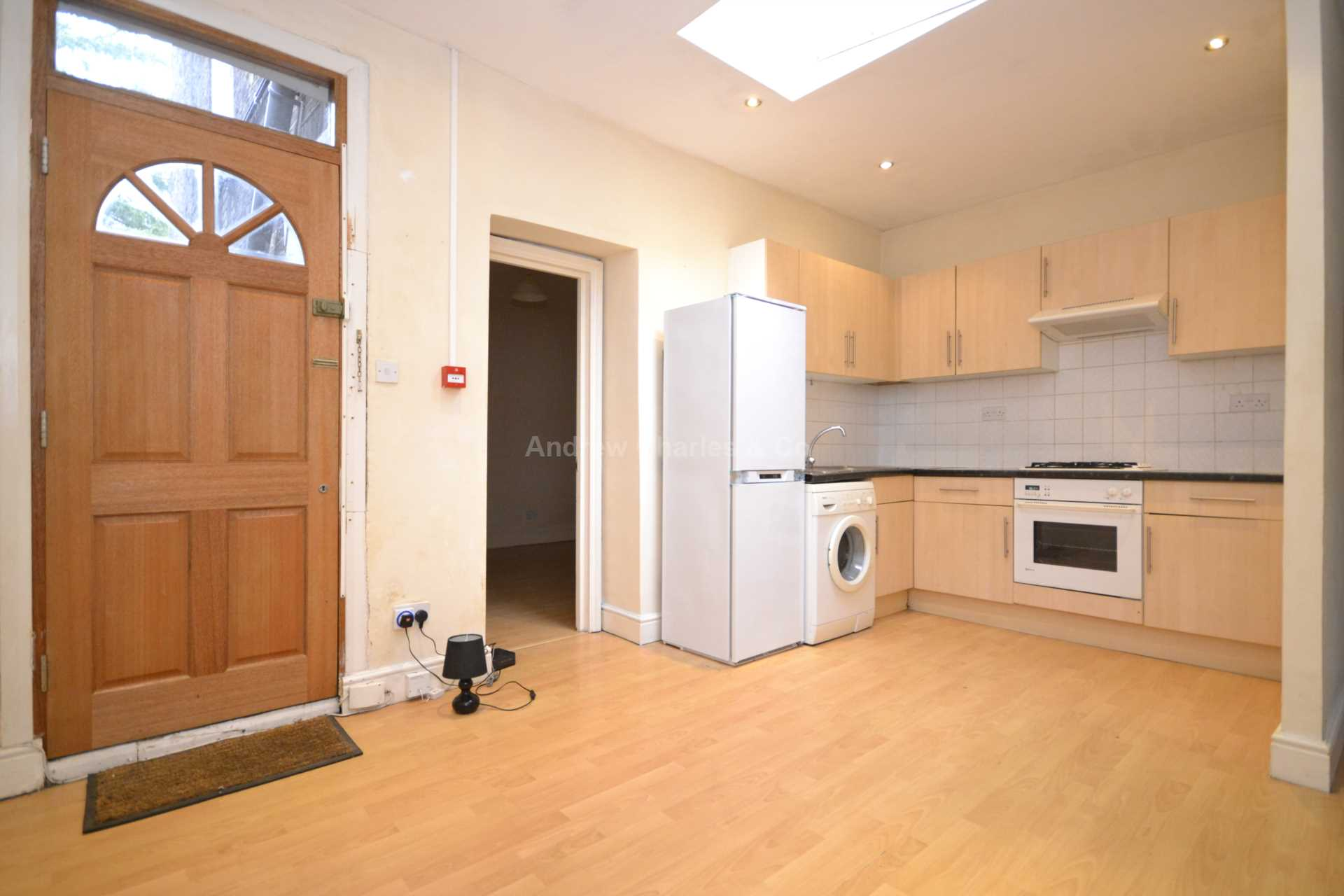 Property To Rent In London L2L1393-1095