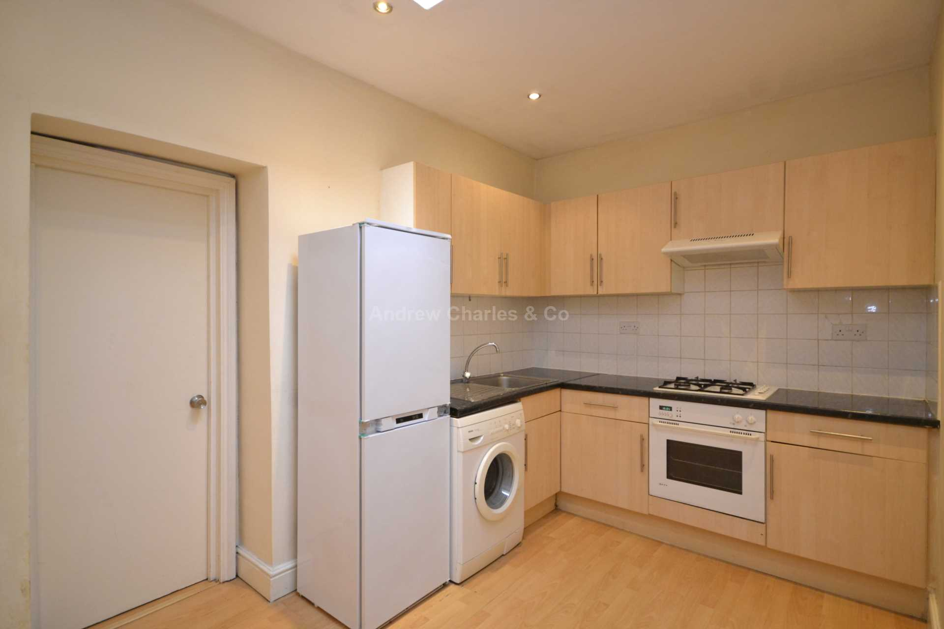 House To Rent In London L2L1393-1095