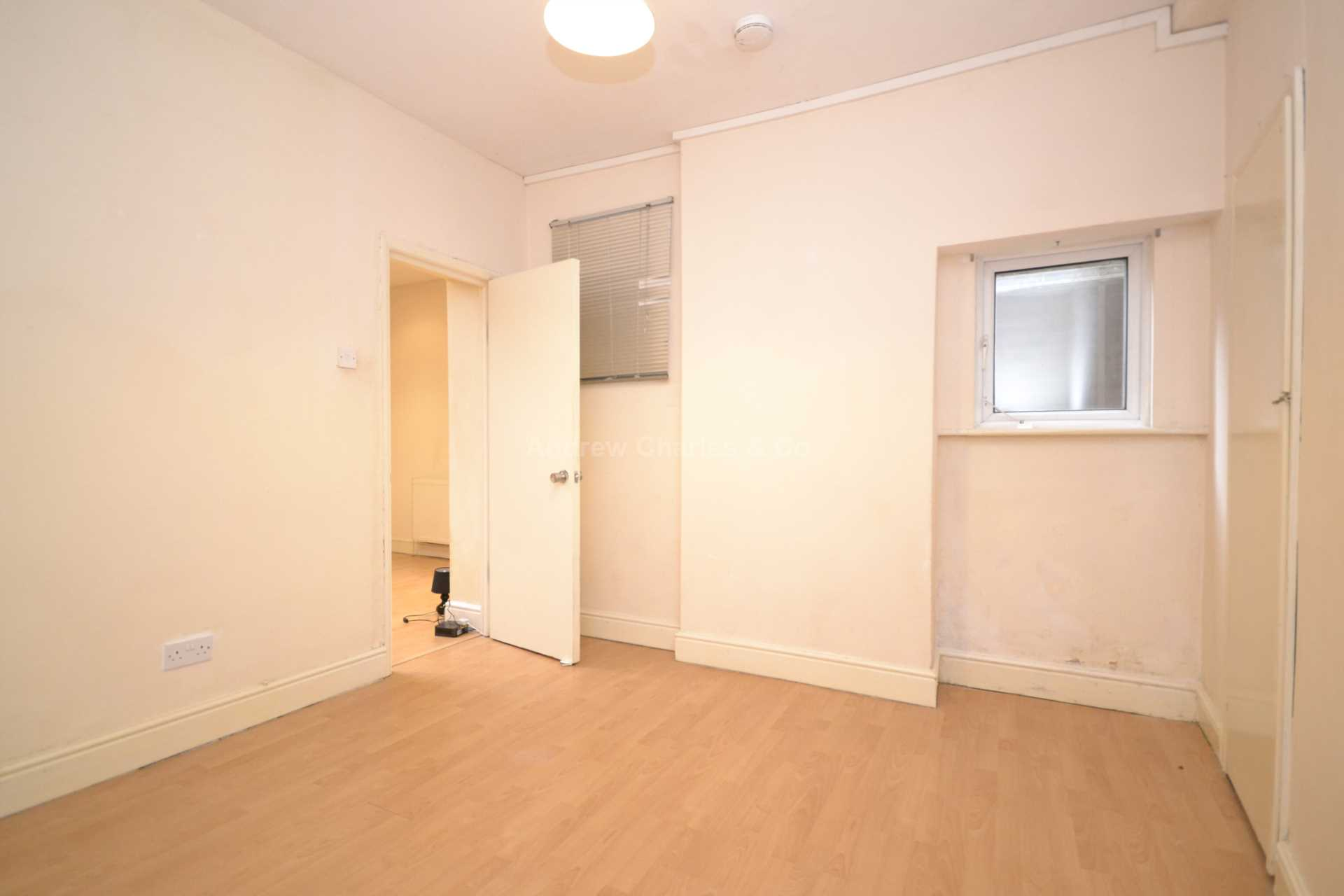 House To Rent In Holloway L2L1393-1095