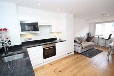Property & Flats to rent with Bairstow Eves (Lettings) (East Croydon) L2L1452-904