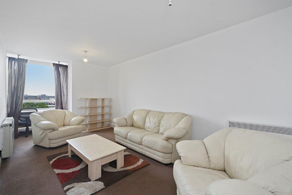 Flats And Apartments To Rent In London L2L1455-825