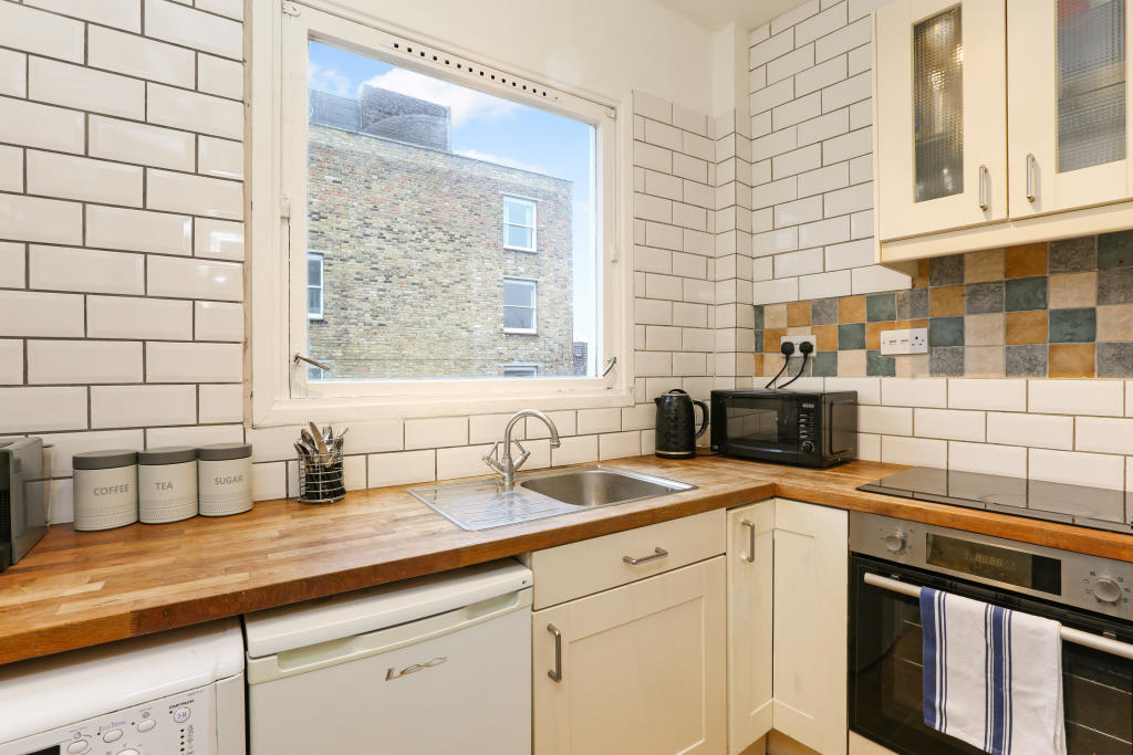 Property To Rent In London L2L1455-811
