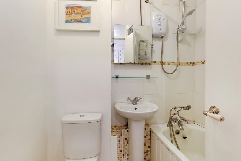 Flats And Apartments To Rent In Clapham L2L1455-811