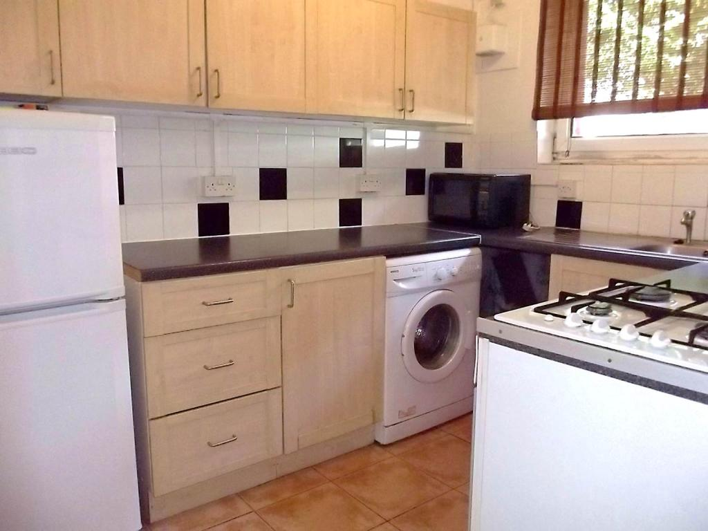 Flats And Apartments To Rent In London L2L1455-442