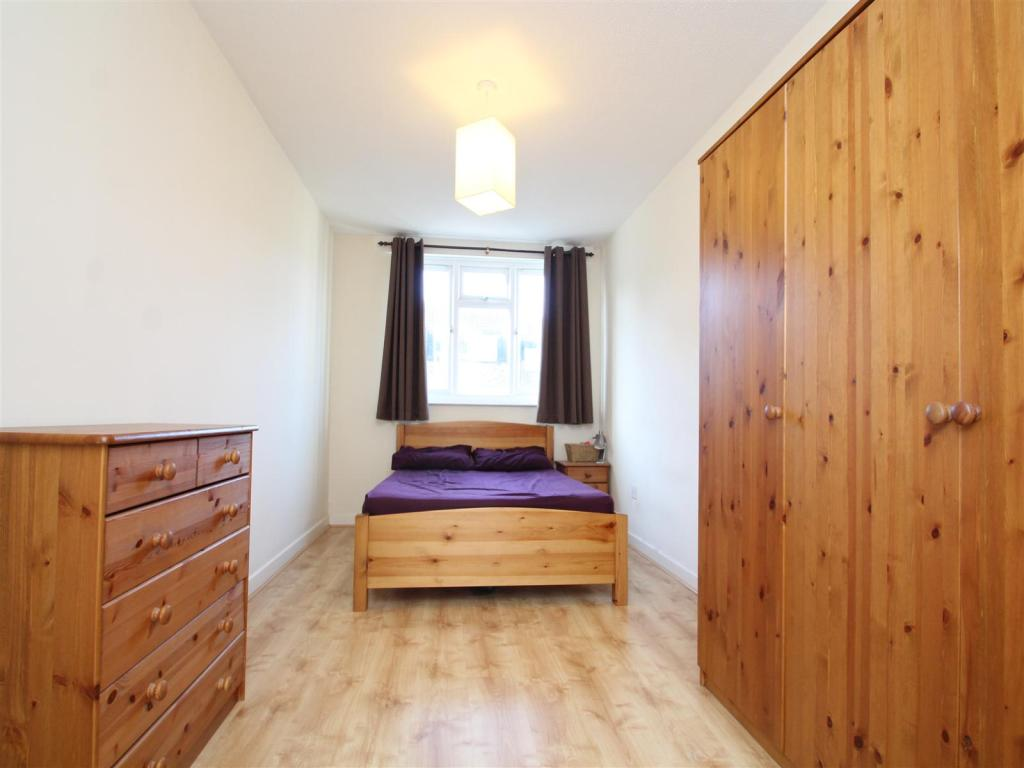 Property To Rent In London L2L1455-416