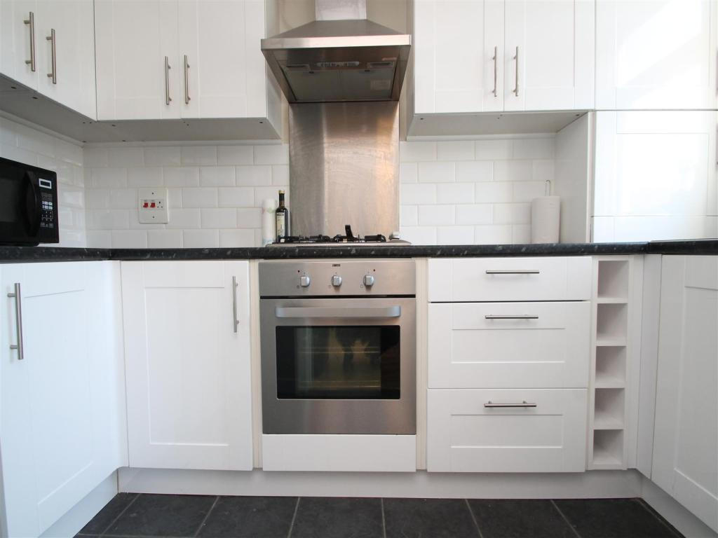 Flats And Apartments To Rent In Clapham Junction L2L1455-416