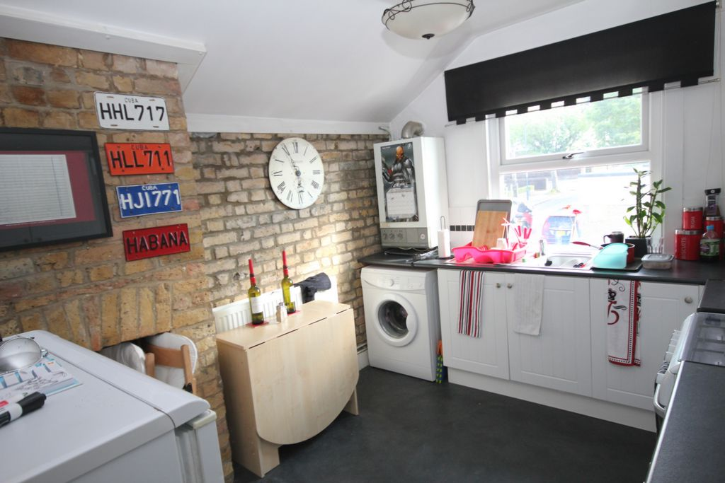 Property To Rent In London L2L147-115