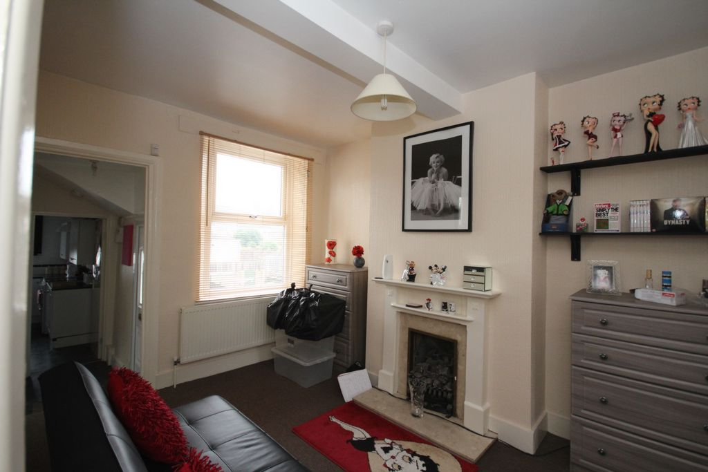 Flats And Apartments To Rent In East Wickham L2L147-115