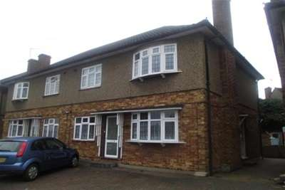 Property & Flats to rent with Bairstow Eves (Lettings) (Hornchurch) L2L1470-374