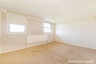 Property & Flats to rent with Bairstow Eves (Lettings) (Romford) L2L1471-352