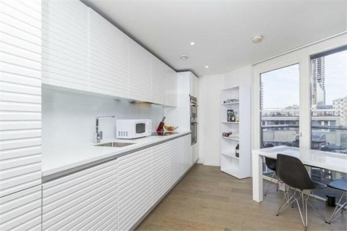 Flats And Apartments To Rent In The City L2L154-3372