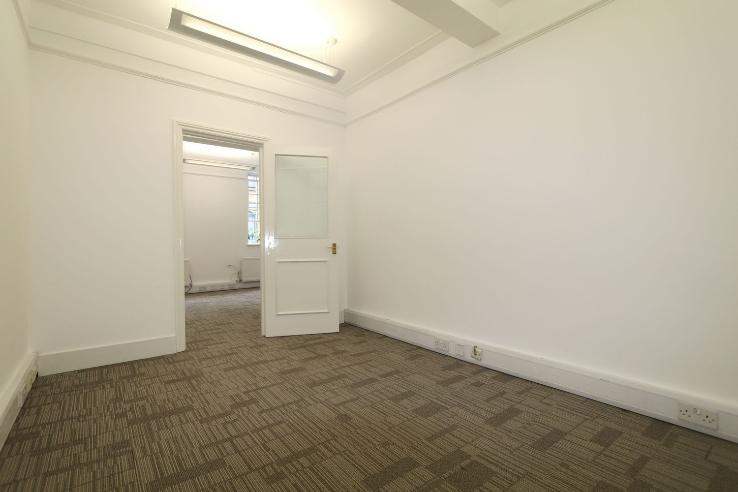 London Rental Property L2L154-3657