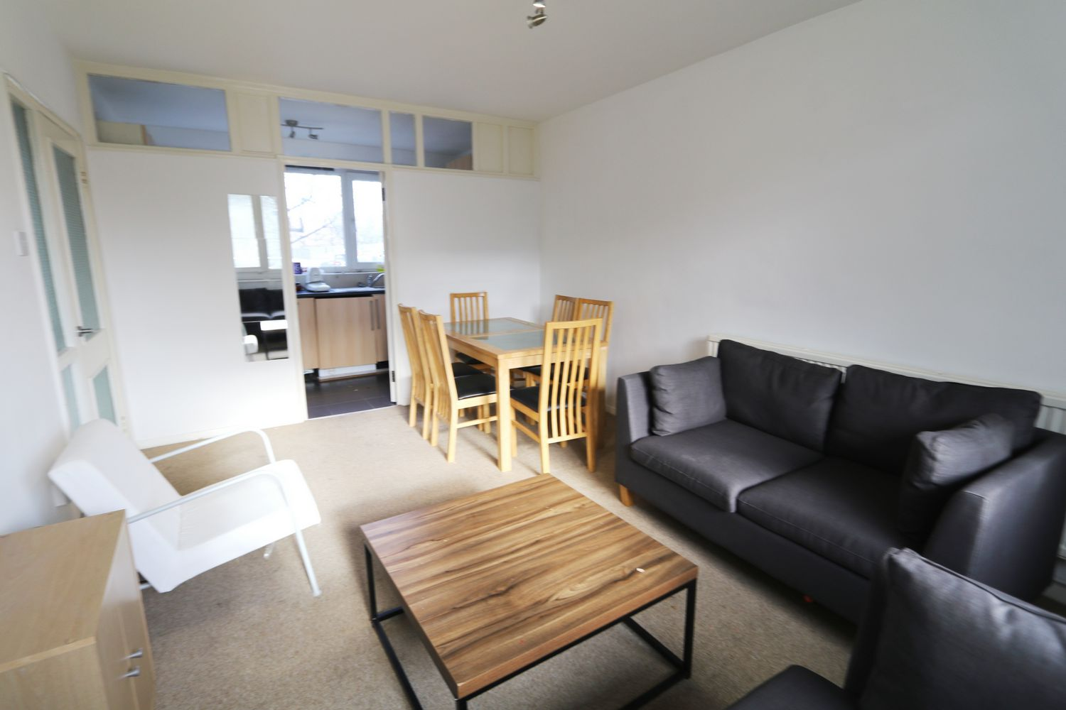 Property To Rent In London L2L154-3772