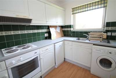 Property & Flats to rent with Bairstow Eves Countrywide (Purley) L2L1575-246