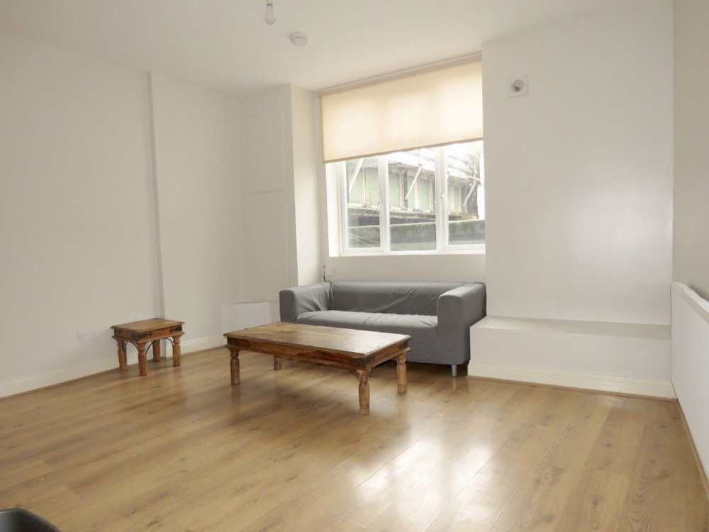 Property To Rent In London L2L158-176