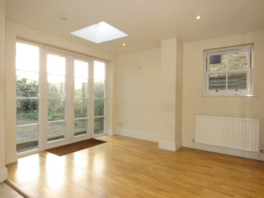Parking And Other To Rent In London L2L158-405