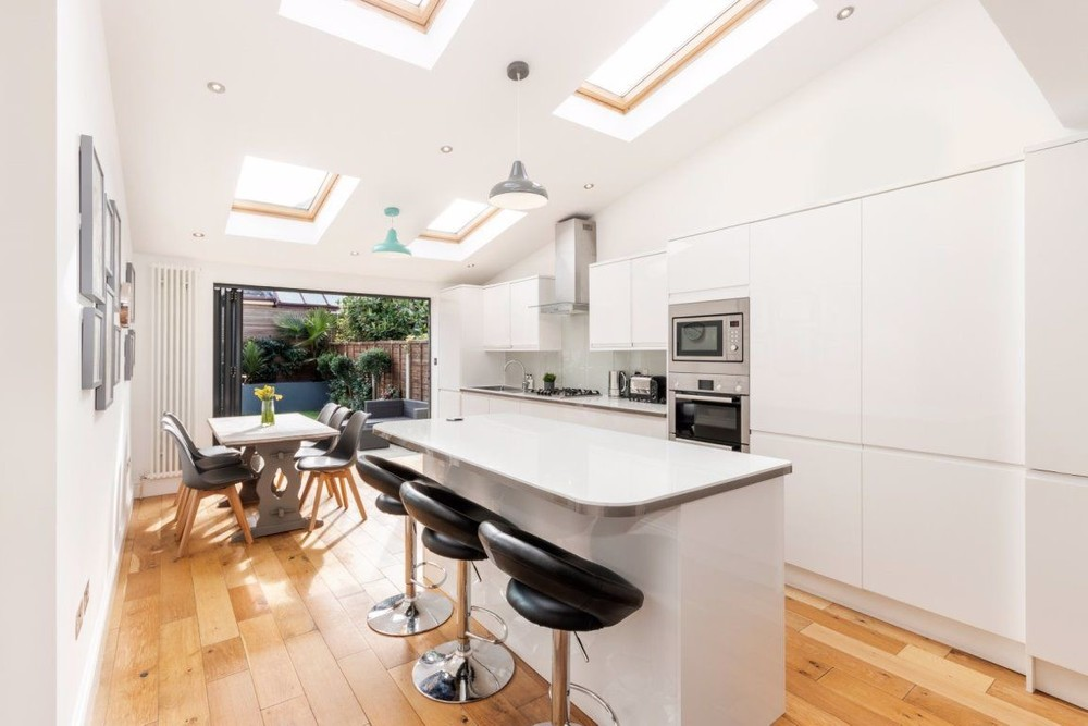 Property To Rent In London L2L158-100