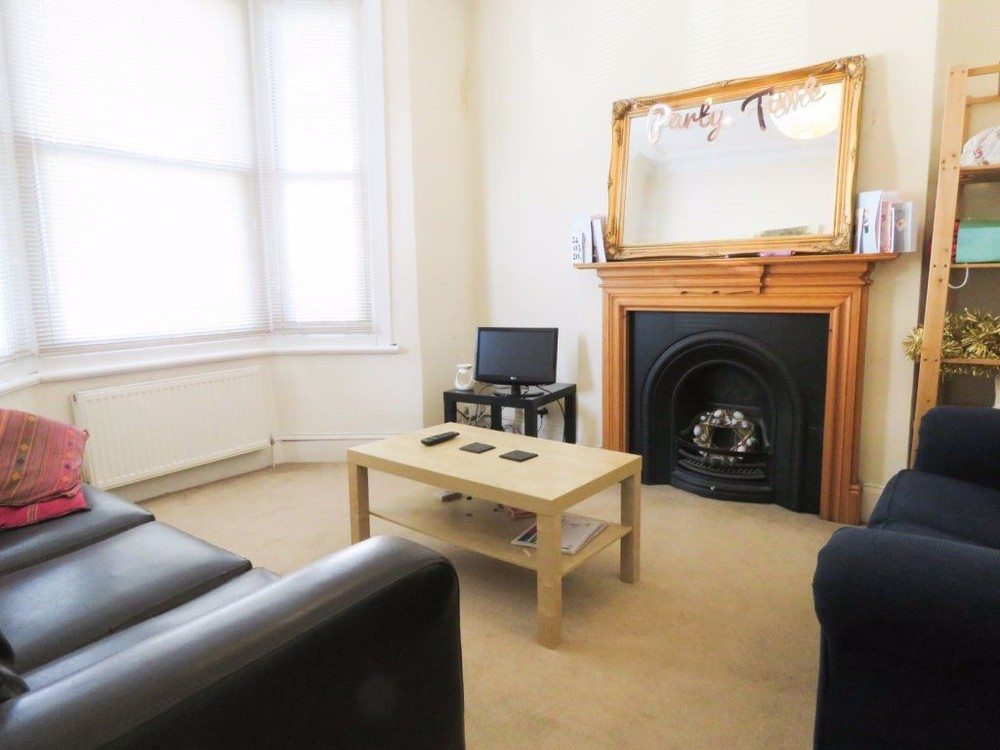 Property To Rent In London L2L158-943