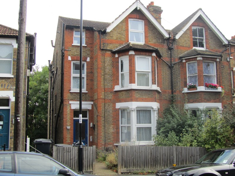 Property & Flats to rent with Best Homes (South Croydon) L2L1641-200
