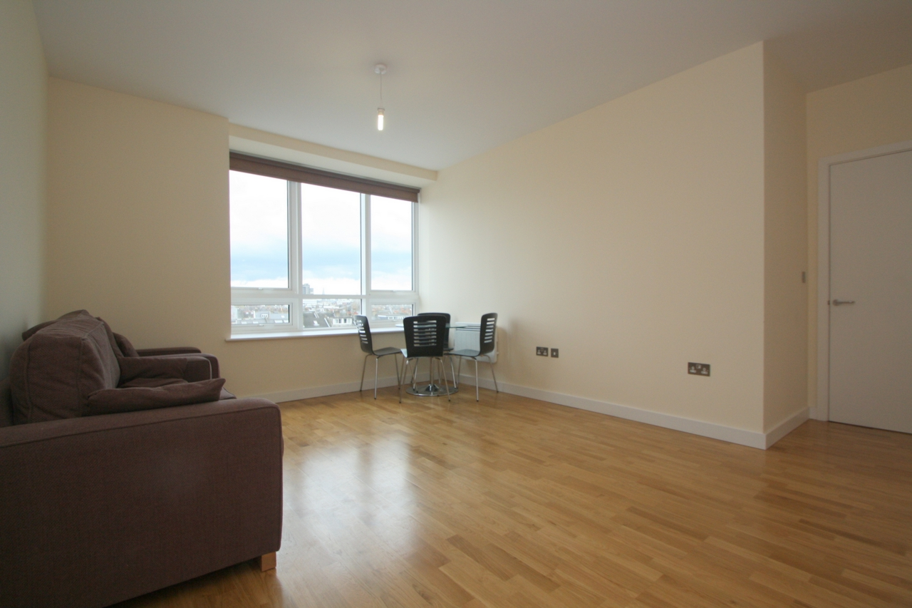 Property To Rent In London L2L176-303