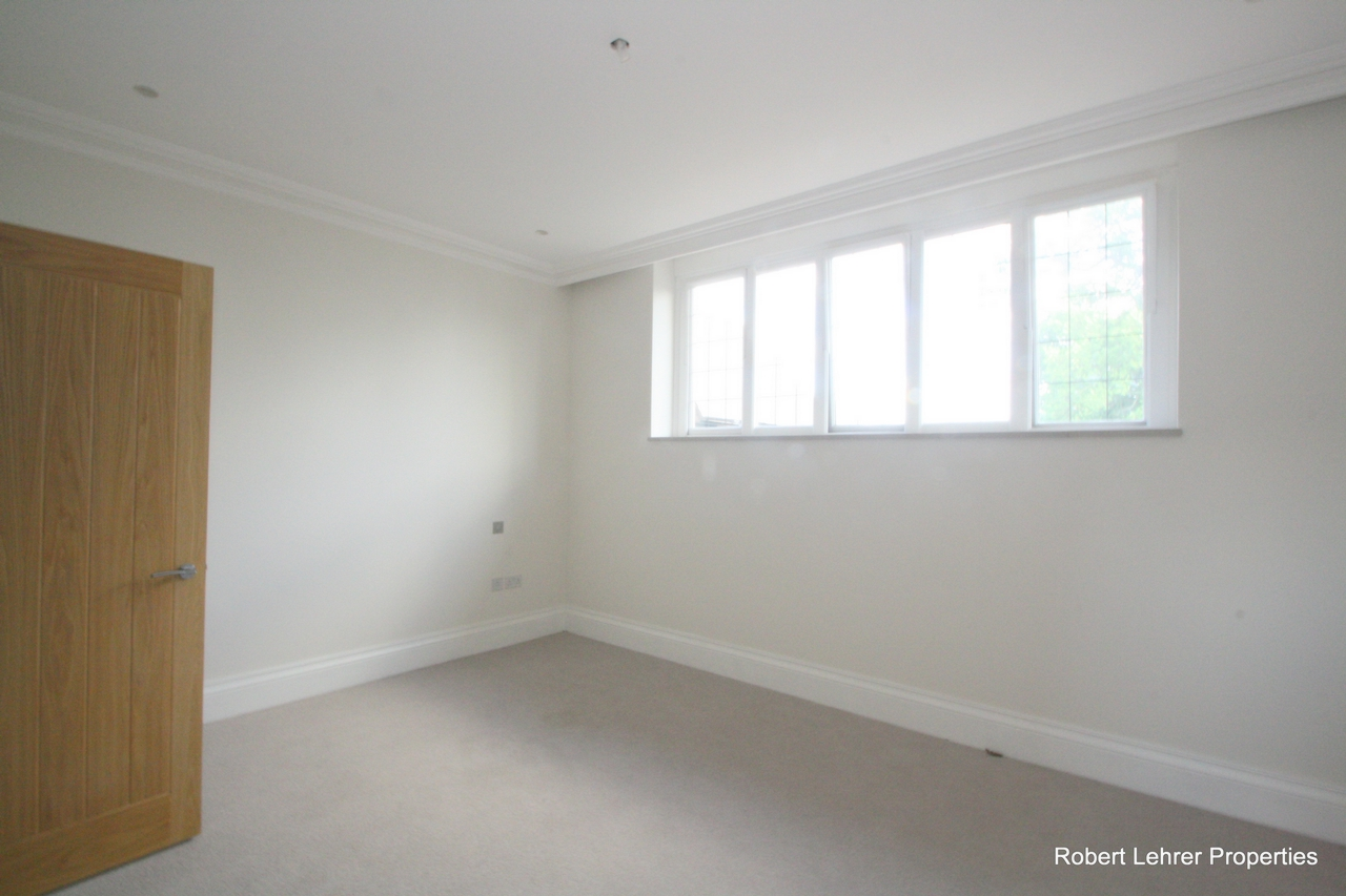 Rent In London L2L176-560