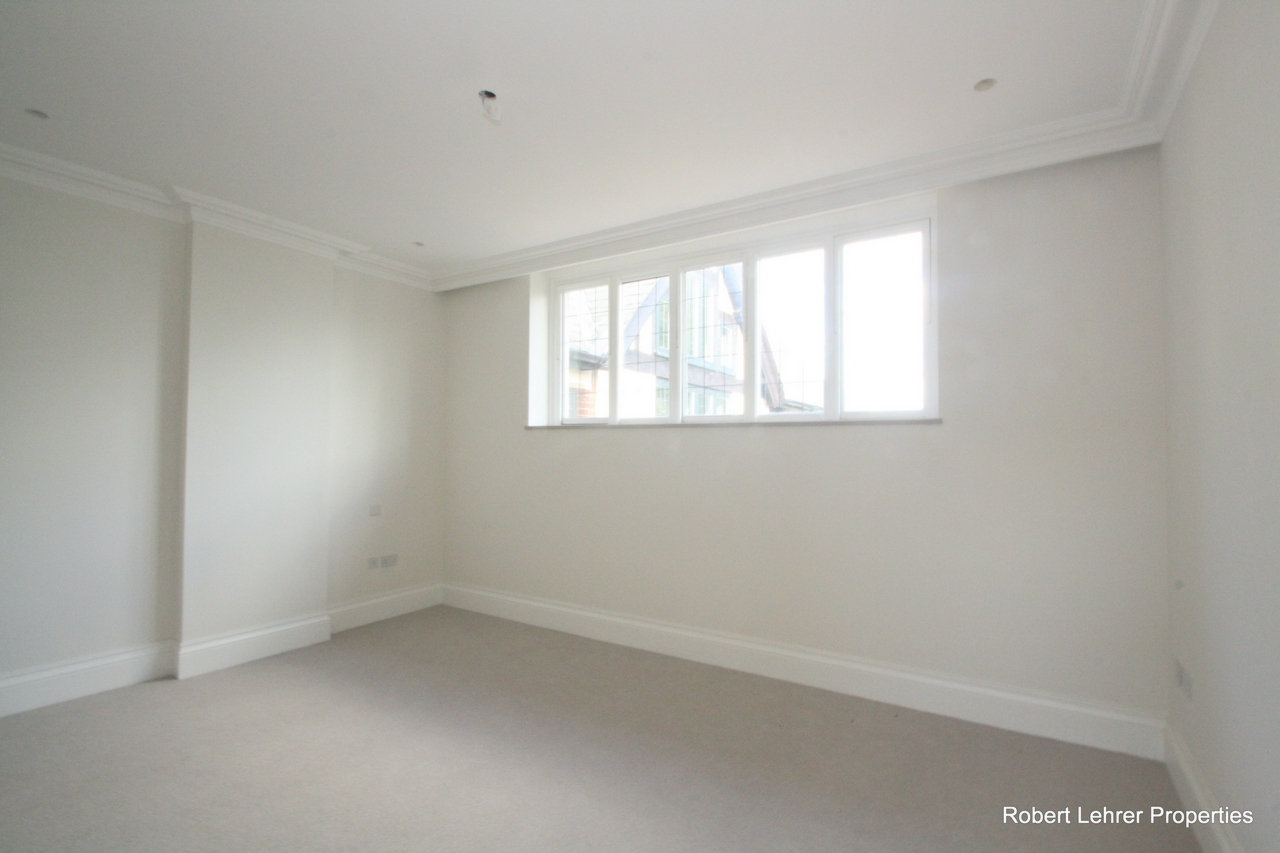 Rent In Mill Hill L2L176-560