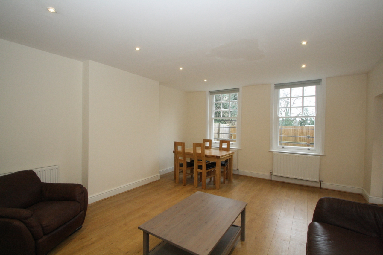Property To Rent In London L2L176-795