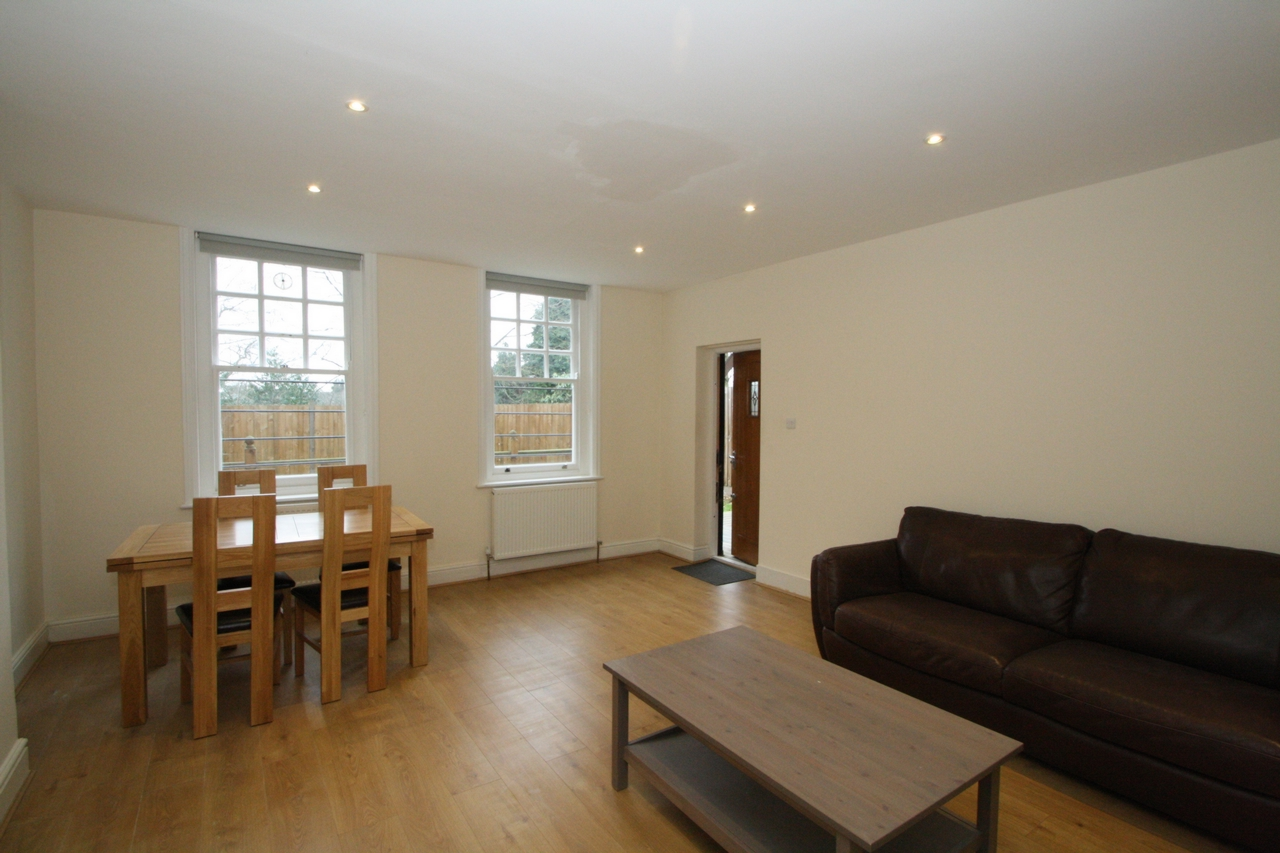 Flats And Apartments To Rent In London L2L176-795