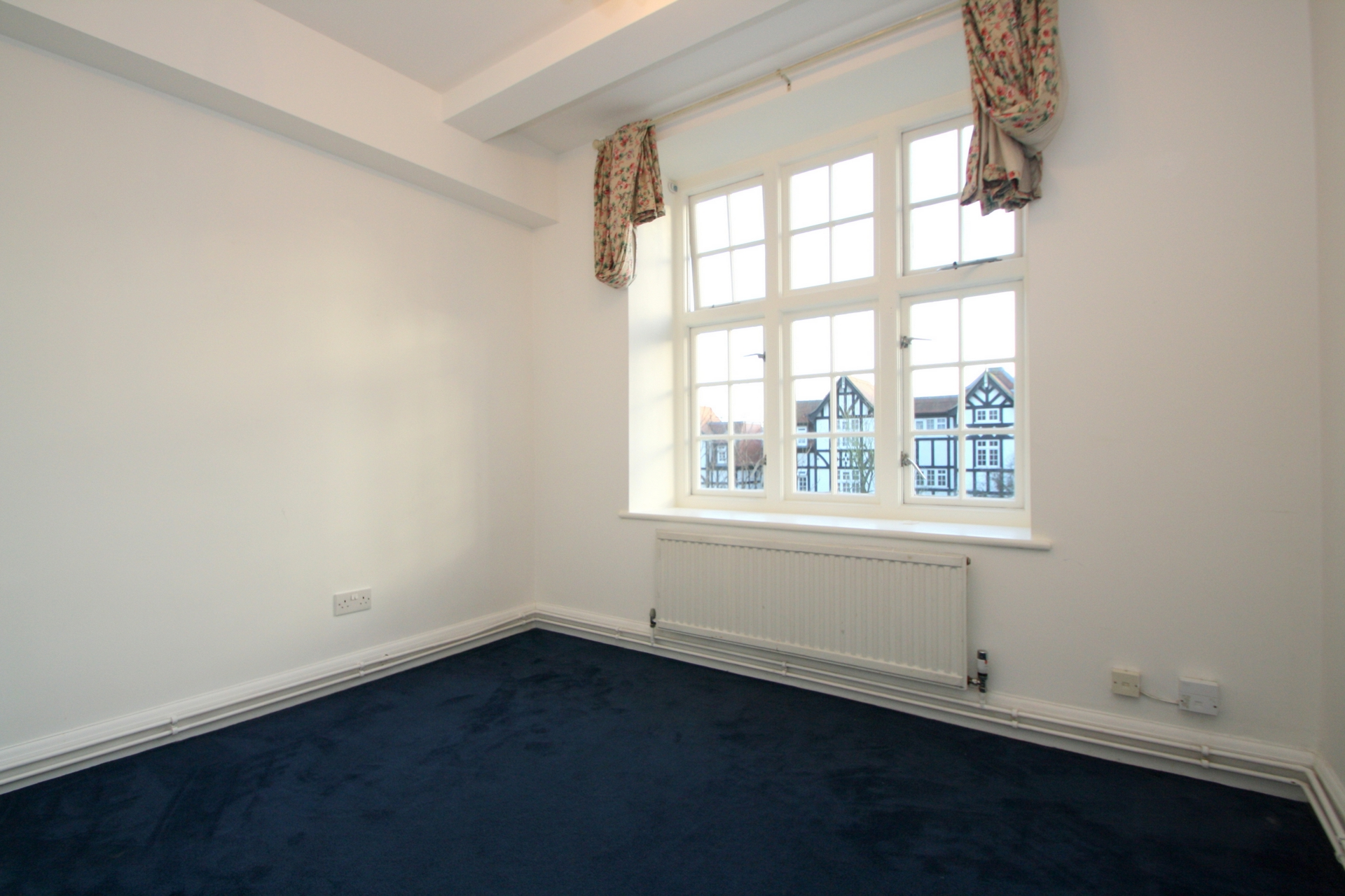 Property To Rent In London L2L176-3410