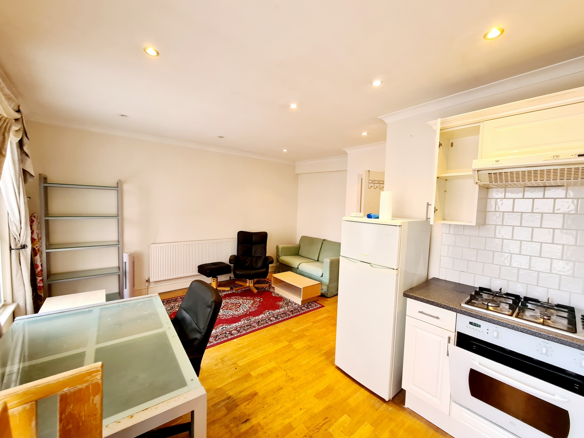 Rent In London L2L176-3760