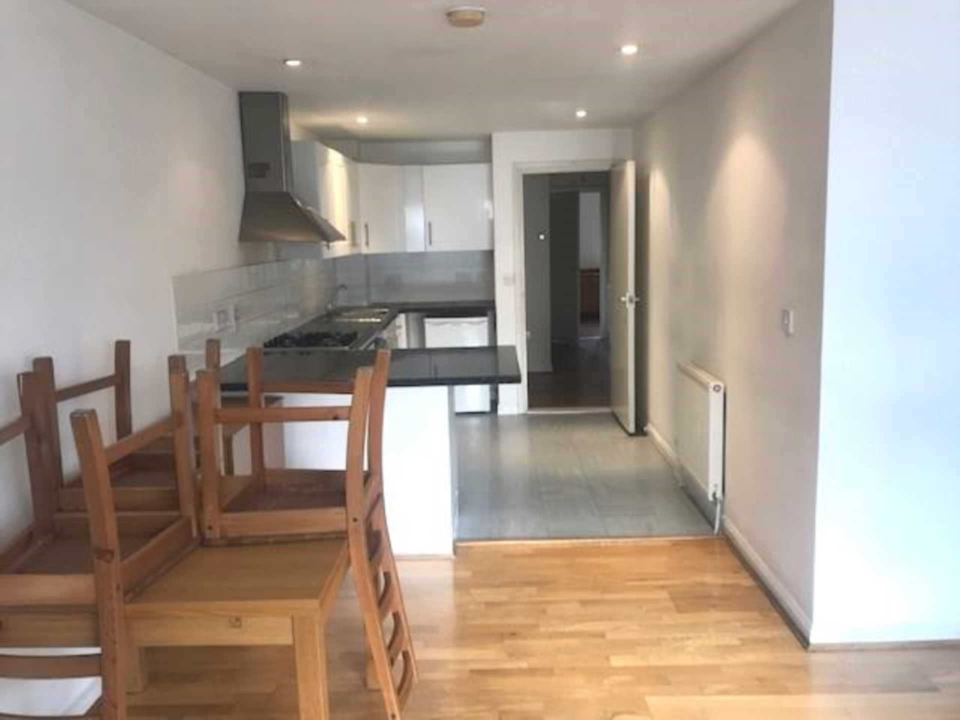Flats And Apartments To Rent In London L2L1778-427