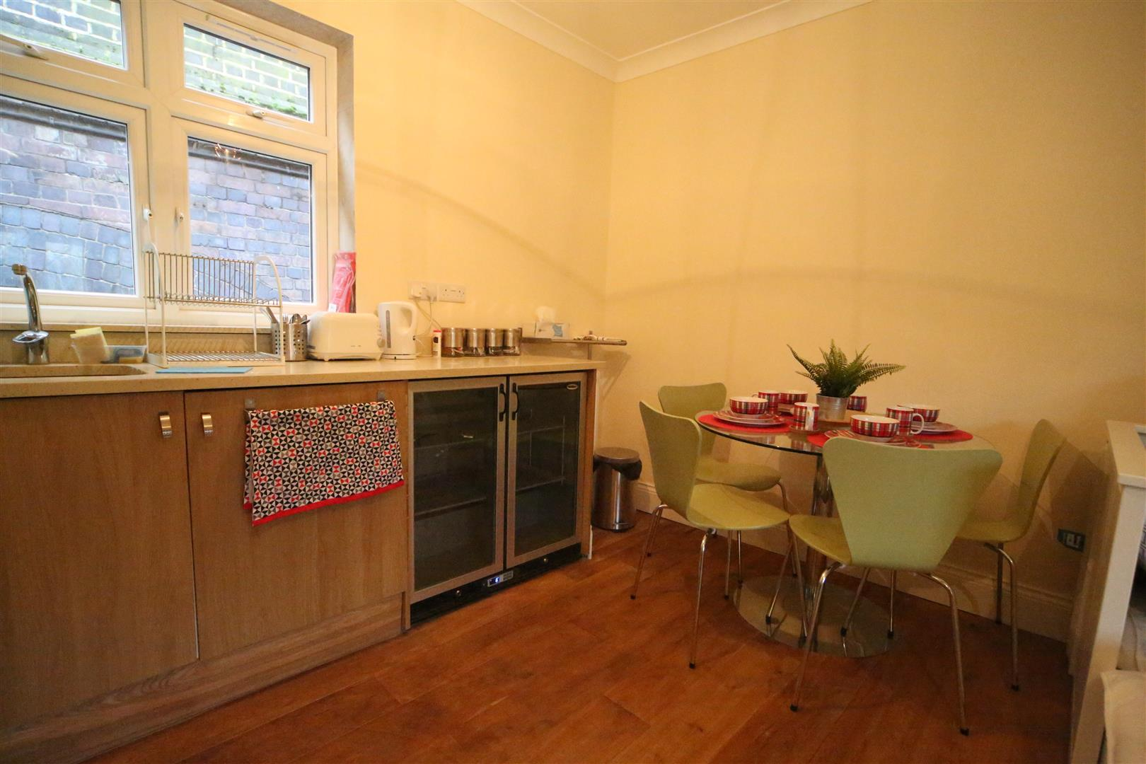 Flats And Apartments To Rent In West Hampstead L2L180-576