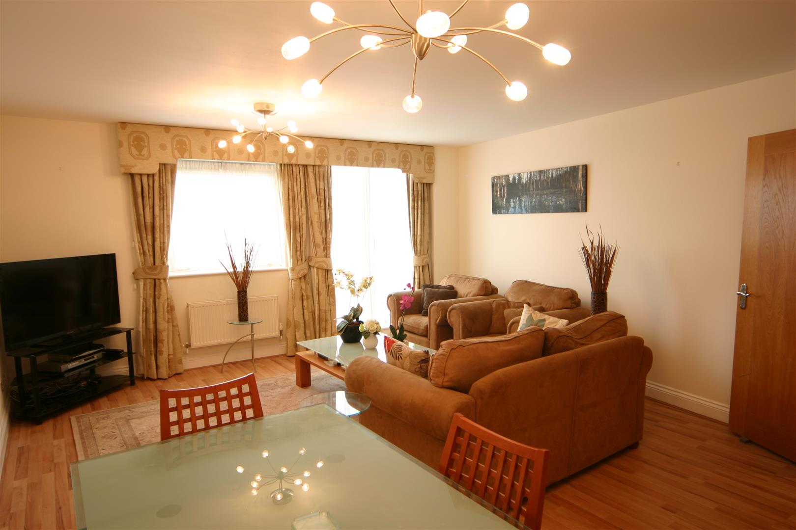 Flats And Apartments To Rent In London L2L180-579