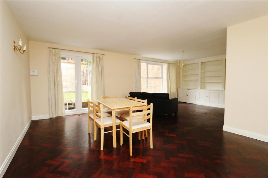 House To Rent In London L2L183-561